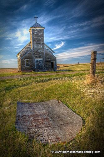 arena_church_37135-7_hdr