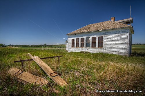schoolhouse_41258-60_hdr