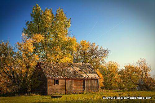 fall_barn_43937-9_hdr