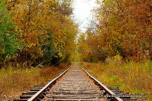 fall_trolley_tracks_43961-3_hdr